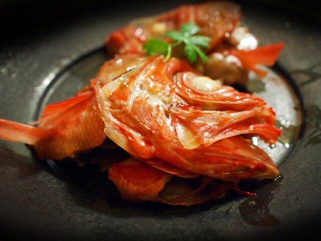 アスタキサンチンを含む食品(食材)のひとつである金目鯛の煮付け