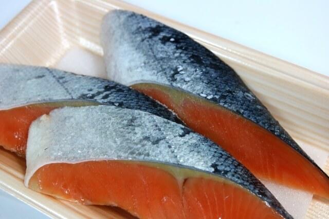 アスタキサンチンを多く含む鮭の選び方