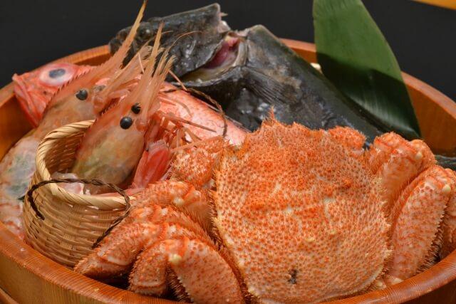 アスタキサンチンを含む食品(食材)である魚介類の例