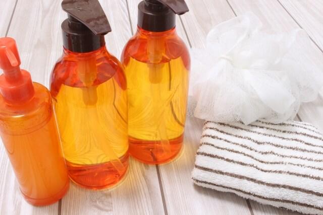 ホホバオイルは肌への刺激が少ないためどんな肌質でも安心して使用できる