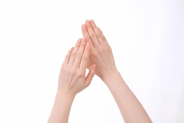 エミューオイルには肌荒れを改善させる効果がある