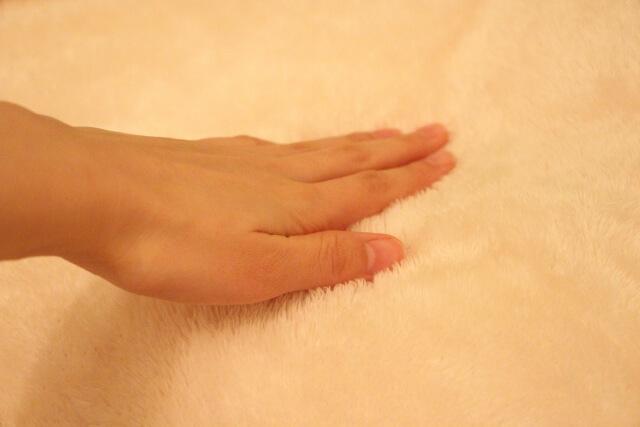 「埋没毛(埋もれ毛)」を予防するには尿素配合の保湿クリームをつけたり定期的に角質層のケアをしてあげることも大切