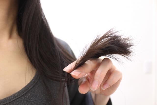 マルラオイルには髪のダメージを改善させる効果がある