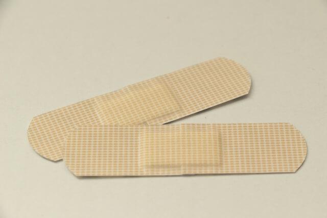 靴擦れ予防に絆創膏・保護シート・クッションパッドなどが役立つ