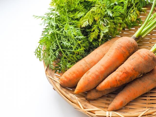 カロテノイドやポリフェノールなどのを含むファイトケミカルの持つ抗酸化作用が強い食品・食べ物のひとつに人参がある