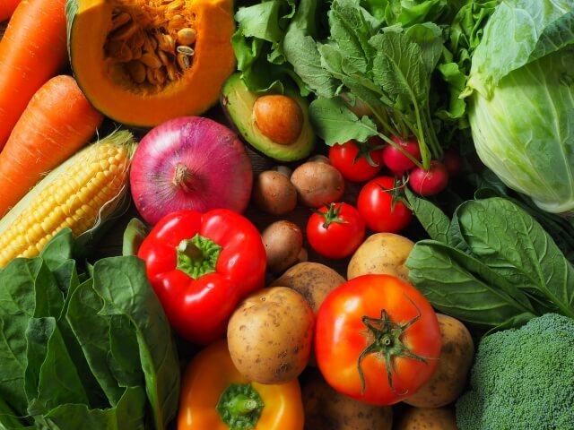 緑黄色野菜などは抗酸化作用のあるファイトケミカルを含む食品・食べ物である
