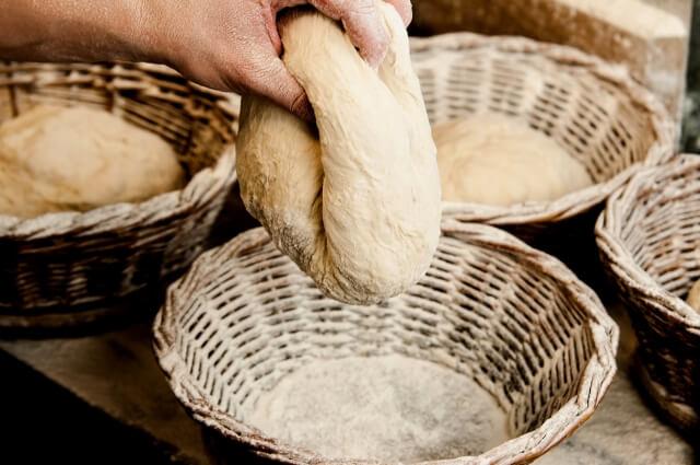 有機酸モノグリセリド配合のパン生地