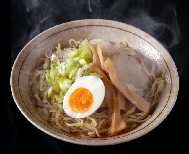 ポリグリセリン脂肪酸エステル配合の麺類