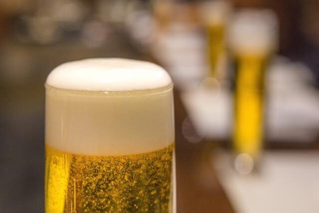 肝機能を弱めるアルコール(ビール)