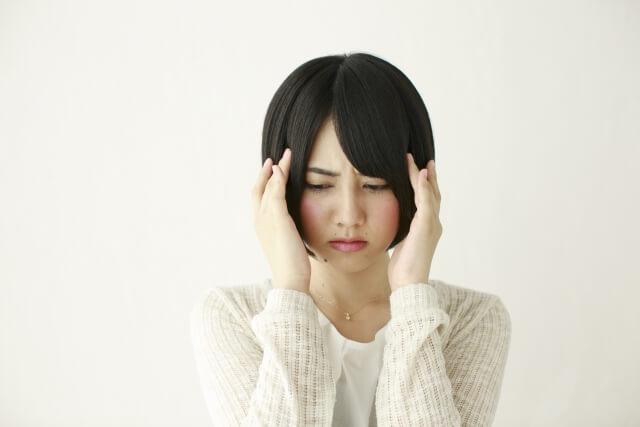 うつ病で悩んでいる女性