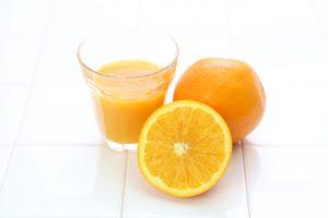 オレンジジュースのカモミールティー割り