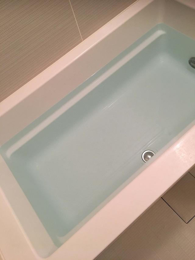 炭酸入浴剤投入前の風呂