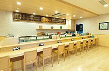 富寿司のカウンター席